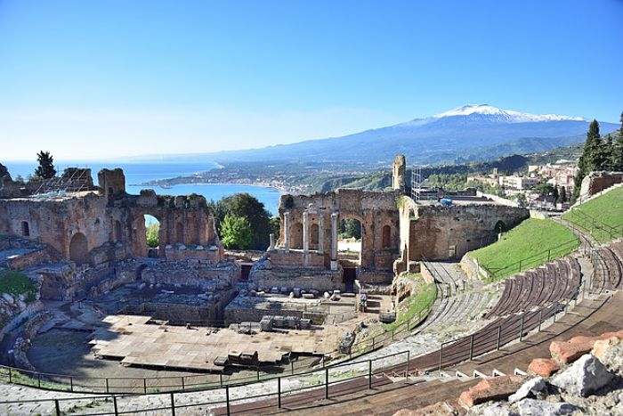 Ταξιδεύοντας με τον Οδυσσέα Ταορμίνα Σικελίας