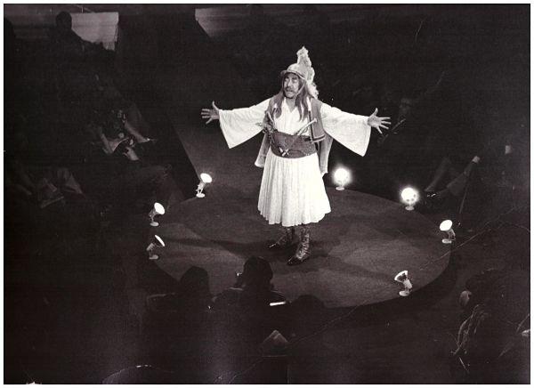 Ο Κώστας Καζάκος μας μιλάει για το Μεγάλο μας Τσίρκο