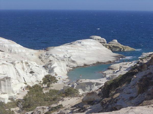 Μήλος, το ήσυχο και μαγευτικό νησί των Κυκλάδων Σαρακήνικο