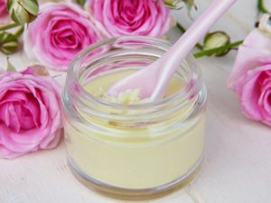 Φτιάξτε μόνοι σας φυσικά καλλυντικά στο σπίτι κρέμα αντιρυτιδική