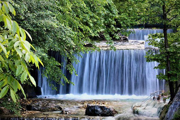 Λουτρά Πόζαρ, το θαύμα της φύσης