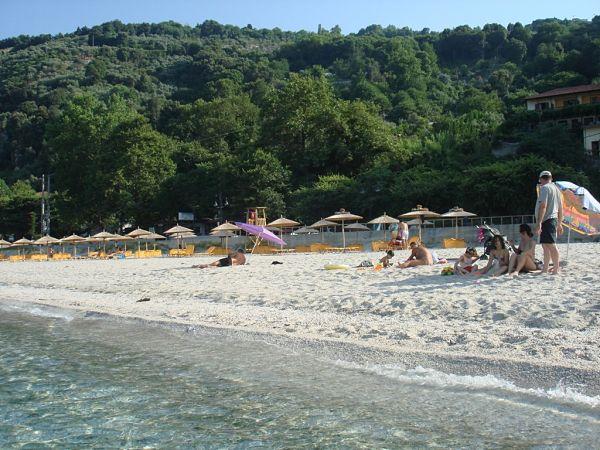 Οργανωμένα κάμπινγκ στην Ελλάδα για οικονομικές διακοπές παπα νερο