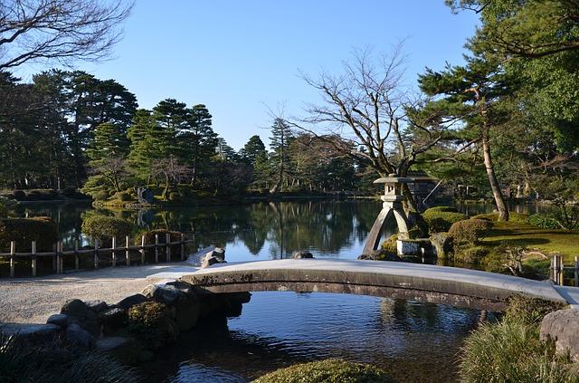 Οι μαγευτικοί κήποι της Ιαπωνίας ποτάμι