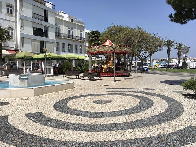 Αλγκάρβε, στην εντυπωσιακή νότια Πορτογαλία Λάγκος