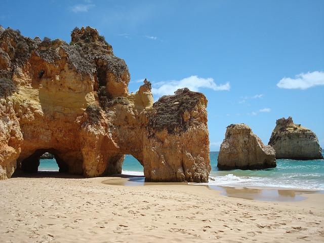 Αλγκάρβε, στην εντυπωσιακή νότια Πορτογαλία σπηλιές