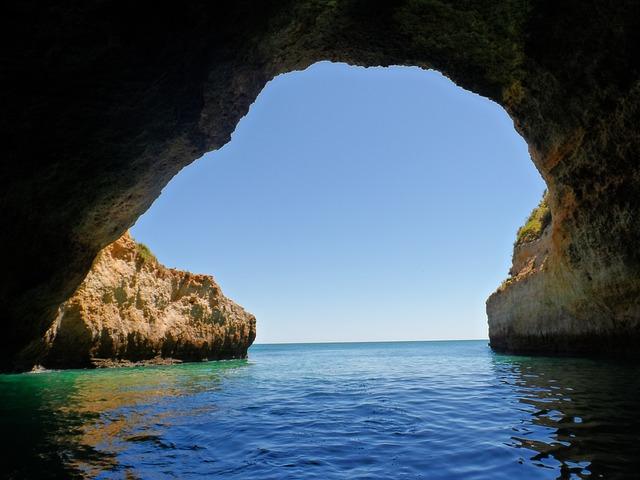 Αλγκάρβε, στην εντυπωσιακή νότια Πορτογαλία σπηλιά