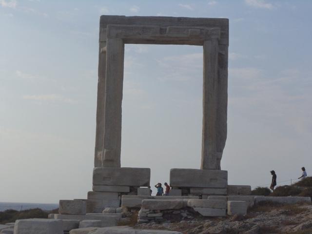 Πορτάρα, η επιβλητική μαρμάρινη πύλη της Νάξου