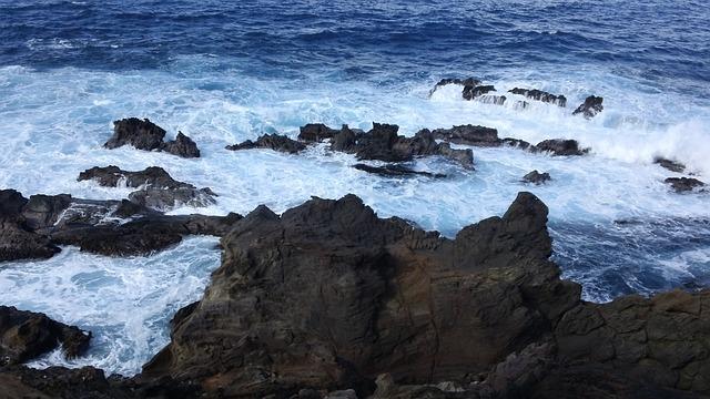 Το μυστηριώδες και απομονωμένο Νησί του Πάσχα