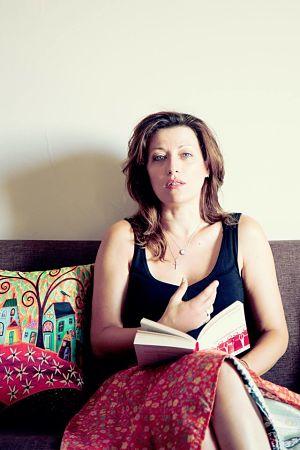 Η θεατρική συγγραφέας Πένυ Φυλακτάκη