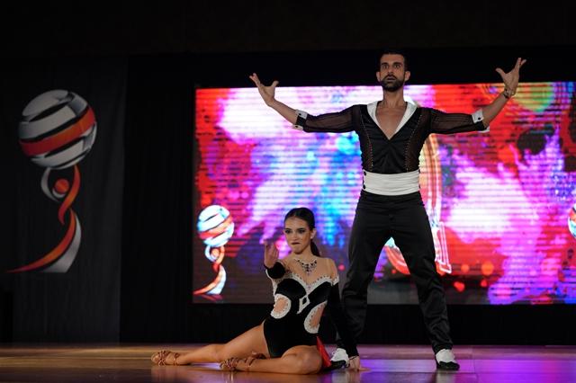 Αφιέρωμα στον κουβανέζικο-αφρικανικό χορό σάλσα