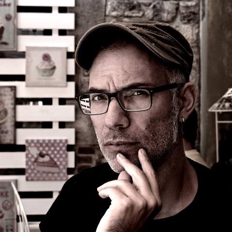 O εξαιρετικός μουσικός Γιώργος Αβραμίδης στο Umano