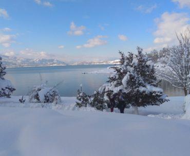Εκδρομή στη χιονισμένη Λίμνη Πλαστήρα