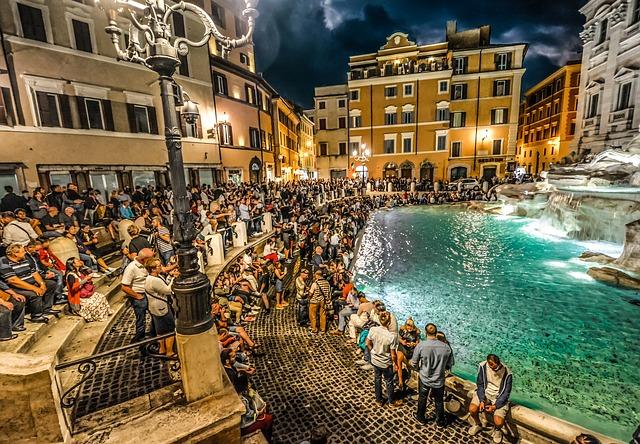 Η αριστουργηματική Φοντάνα Ντι Τρέβι της Ρώμης