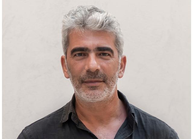 Ο νεορεμπέτης Δημήτρης Μυστακίδης στο Umano