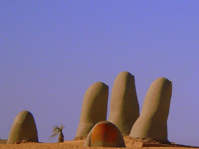 Το Χέρι της Ερήμου στην Ατακάμα της Χιλής