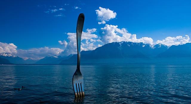 Το γιγάντιο Πιρούνι στο Βεβέ της Ελβετίας