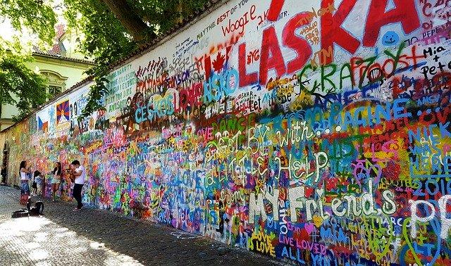 τοίχος του Τζον Λένον