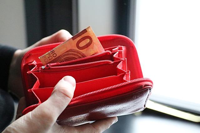 Συμβουλές για να έχουμε λεφτά στο πορτοφόλι μας