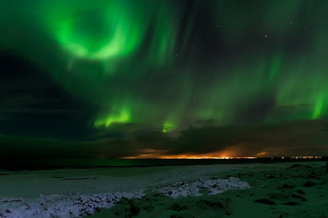 Το μαγευτικής ομορφιάς Βόρειο και Νότιο Σέλας - Ισλανδία