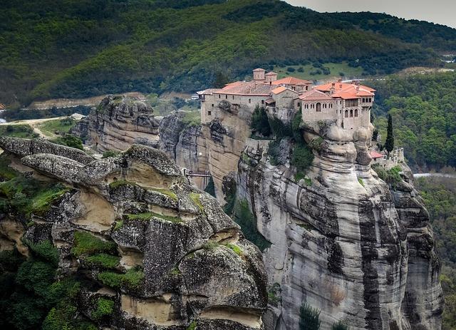 Μετέωρα: Το επιβλητικό γεωλογικό φαινόμενο