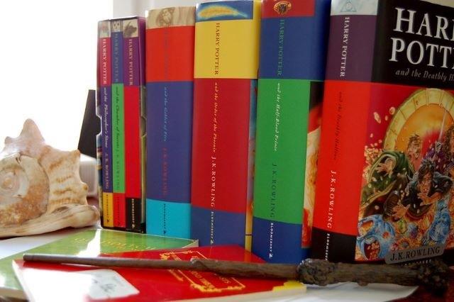 Τα βιβλία με τις περισσότερες πωλήσεις παγκοσμίως - Χάρι Πότερ