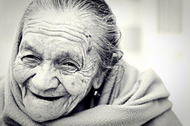 Χαμογέλαστε – Δεν είναι δύσκολο και υπάρχει τρόπος - Γιαγιά φωτο