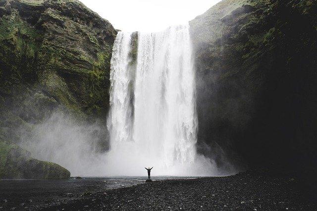 Ισλανδία: Η σκανδιναβική χώρα που μαγεύει - Καταρράκτης