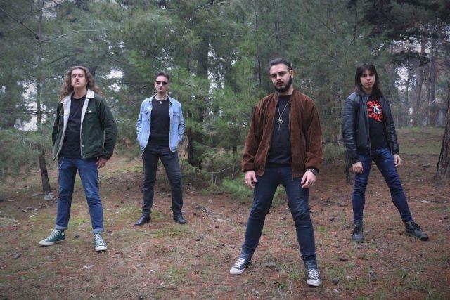 Rock 'n' Roll και Αλητεία: Το νέο τραγούδι των Friendzone