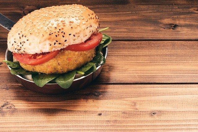 Τέσσερα υπέροχα χορτοφαγικά-βίγκαν πιάτα - Μπέργκερ
