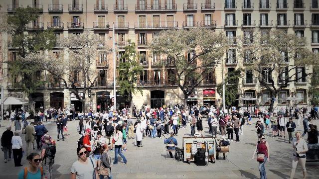 Βαρκελώνη: Η ομορφότερη πόλη της Ισπανίας - Τουρίστες