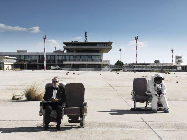 Ένας διάλογος μεταξύ δύο διακεκριμένων εικαστικών-THE AIRPORT JOHN AKOMFRAH